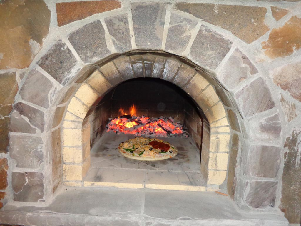 DIY Outdoor Pizza Oven Fireplace
