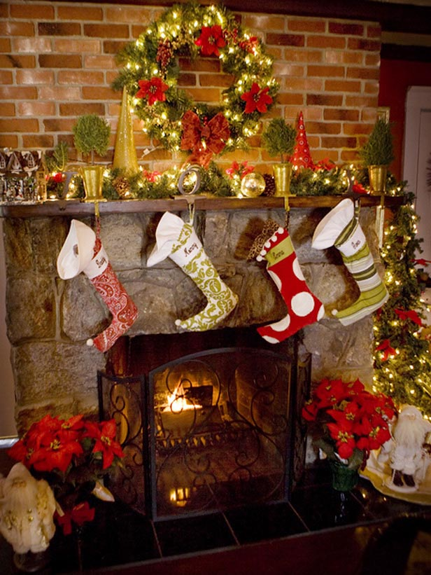 How to decorate a fireplace for christmas fireplace designs for How to decorate a fireplace for christmas